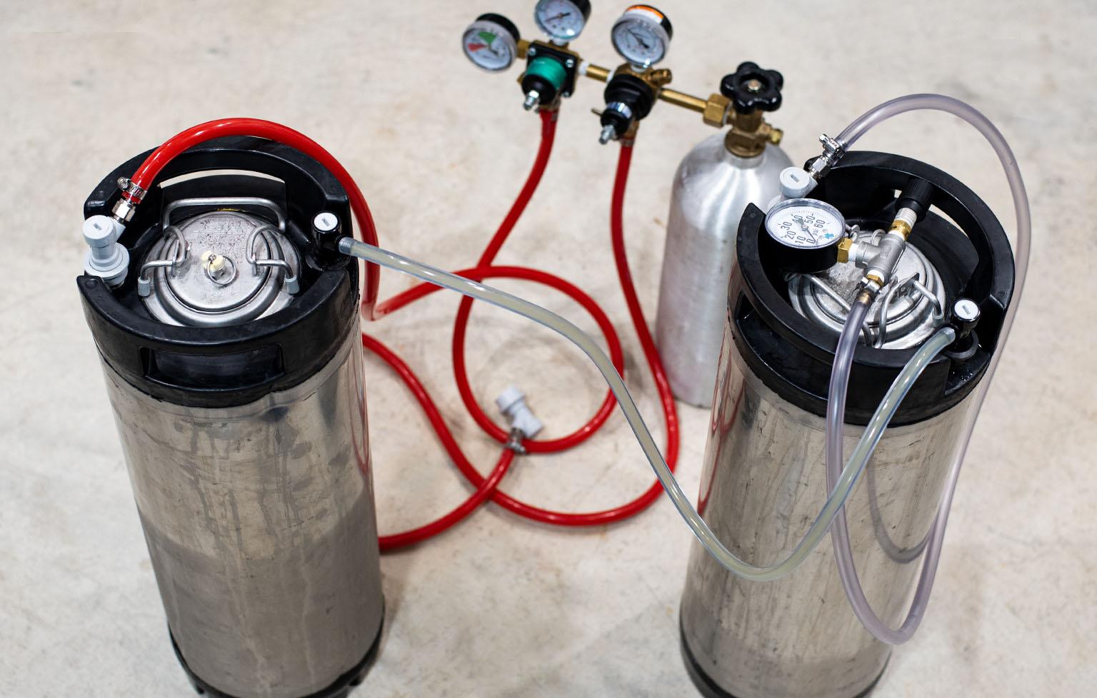 Pressure transfer from fermenting keg to serving keg
