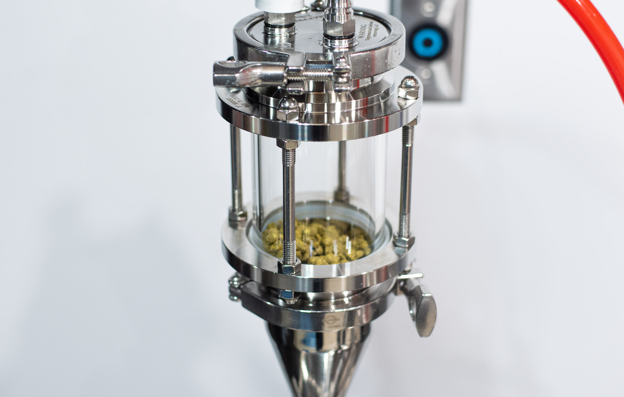 Dry hopping device